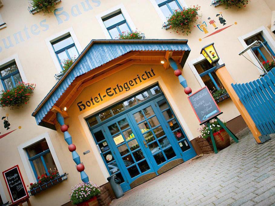 Buntes Haus – Hotel Erbgericht Seiffen, city – Logis-Partner Stoneman Miriquidi Road